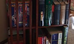 Book swivel table